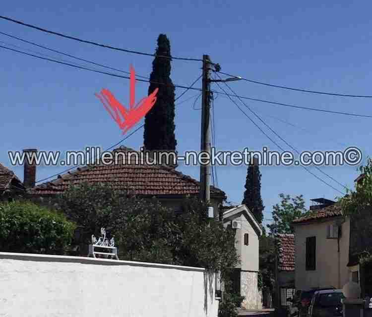 Prodajemo kuću 3056